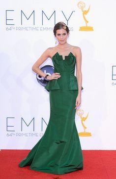 2012 Emmys Red Carpet: Allison Williams in Oscar de la Renta.