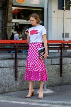 18 pretty in pink street styles: Pink mid length skirt and graphic tee