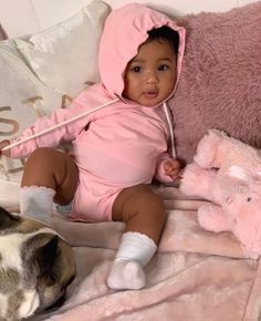 i want a baby but Im to young. Cute Mixed Babies, Cute Black Babies, Black Baby Girls, Beautiful Black Babies, Cute Little Baby, Pretty Baby, Cute Baby Girl, Little Babies, Cute Babies