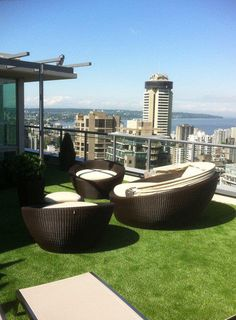 Rooftop patio with SYNLawn