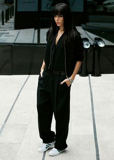 RED REIDING HOOD: Fashion inspiration streetstyle Pinterest Style Heroine wearing slouchy suit pants Adidas Superstar sneakers all black everything outfit comfy streetstyle model off duty fashion blogger