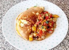 Sunday mornings  . Spanish style omlette with a spicy salsa . . #sundayfunday #asundaywellspentbringsaweekofcontent #healthyliving #healthychoices #healthylifestyle #healthyoutsidestartsfromtheinside #artofeatingwell #healthiswealth #healthybodyhealthymind #nourishment #vitamins #eatclean #cleaneating #healthyeats #girlgains #food #healthyfoodporn #fitfam #breakfast #breakfastofchampions #fitness #fit by daisychaindaydream