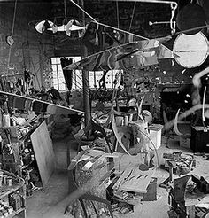 Atelier de Calder à Roxbury, Connecticut, 1941. Photo Herbert Matter.