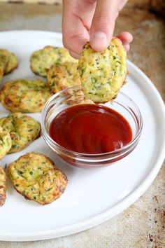 How do you get picky eaters to eat loads of veggies? This Gluten Free Zucchini Tots recipe. That's how.