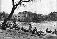 The picturesque beauty and great surfing conditions of Sydney beaches are typical of what you'll find along most of the Australian eastern seaboard. Old Pictures, Old Photos, Bronte Beach, Sydney Beaches, Land Of Oz, White Building, Rock Pools, Western Australia, Time Travel