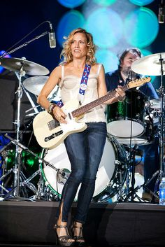 Listen to every Sheryl Crow track @ Iomoio Bass, Sheryl Crow, Music Pics, Female Guitarist, Blues Rock, Best Beer, Iron Maiden, Rock Music, Rock And Roll