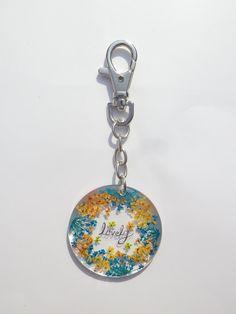 Annys workshop, Handmade keychain, Pressed flowers keychain, hard plastic keychain, My Flowers keychain