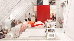 Schlafzimmer mit BRIMNES Bettgestell und PAX Kleiderschrank