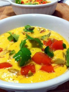 Top 25 raw vegan soup recipes -this is a HUGE and awesome list of RAW vegan soups! SO flippin excited to try a bunch! – More at http://www.GlobeTransformer.org