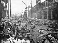 Titanic and Olympic under construction 1909/10