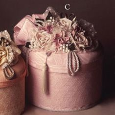Pretty pink hat box. Vintage Hat Boxes, Pretty Box, Pretty In Pink, Pink Brown, Keepsake Boxes, Altered Boxes, Altered Art, Pink Tulle, Pure Romance
