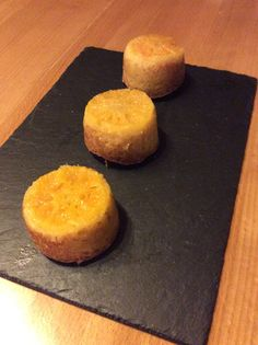 Clementine upside-down cakes from Kernolou Kitchen