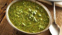 Il Chimichurri è una salsa tipica argentina ed è adatta sia alle carni che alle verdure. Provala! Saporita, salutare, perfetta per tantissimi piatti.