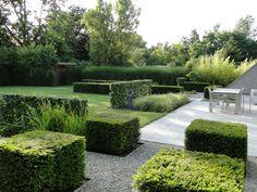 Jaren30woningen.nl | Een mooi voorbeeld van een tuin bij een jaren 30 woning.