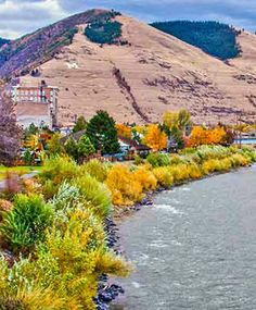 Fall Foliage on Missoula Valley, Montana | Montana's Quiet and Most Colorful Season | Glacier Country Montana