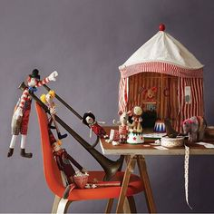 Amazing deal, purchase your Maileg tent and get a Circus Mouse or Animal Free! http://www.mini-mi.co.uk/products/maileg-circus-tent-set