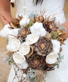 A wintery bridal bouquet.