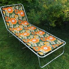 Vintage floral print sun lounger - Vintage Actually 1970s Childhood, My Childhood Memories, Childhood Toys, Nostalgia 70s, Retro Toys, Old Toys, The Good Old Days, Old Pictures, Sun Lounger