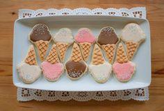 Daisy Pink Cupcake: July 2011