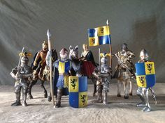 RETIRED Schleich COLLECTION! Lion Coat Arms COURTIERS KNIGHTS HORSES! See Pics!