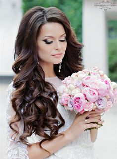 Glamorous Wedding Hairstyles with Elegance - Hair stuffs - Hochzeit Curly Wedding Hair, Long Hair Wedding Styles, Wedding Hair Down, Wedding Hair And Makeup, Prom Hair, Bridal Hair, Wedding Curls, Trendy Wedding, Wedding Ideas
