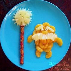An orange Lorax? You crazy cats think of everything. Make Lorax snack HERE at Kitchen Fun with My 3 Sons. Cute Snacks, Fruit Snacks, Cute Food, Good Food, Fruit Fruit, Kid Snacks, Fruit Plate, Fruit Salad, Yummy Food