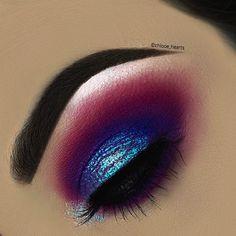 DEETS - Dare To Create Palette @morphebrushes • Rumour Base @plouise_makeup_academy • Mermaze Pigments @peachesmakeup • Hi-Lite Opals…