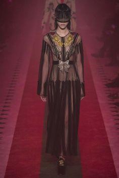 Gucci ready-to-wear spring/summer '17 - Vogue Australia