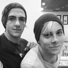 Does anyone know what Riker or Rocky's snapchats are??????? I really want them!! I have everyone's but theirs