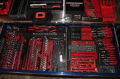 snap-on-tool-boxes-with-tools