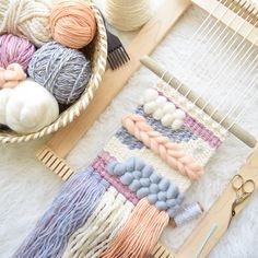 whiskerwoven shared a new photo on Etsy – Mahdiyeh – weberei Weaving Loom Diy, Weaving Art, Tapestry Weaving, Hand Weaving, Weaving Wall Hanging, Wall Hangings, Weaving Projects, Weaving Designs, Art Mural
