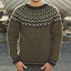 Pull Riddari vert Green Wool, Green Sweater, Wool Sweaters, Knitwear, Knitting Patterns, My Style, Diy, Crafts, Color