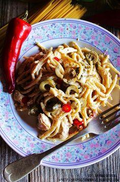 Jak pączek w maśle...blog kulinarny,smacznie,zdrowo,kolorowo!: Kurczak w sosie śmietanowo-oliwkowym Develey