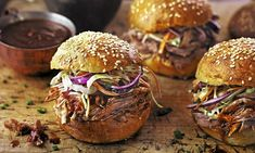 Bonfire night banquet: Pulled pork with brioche buns Bloody Mary soup, pulled pork burgers, campfire Bonfire Menu, Bonfire Night Food, Bonfire Parties, Pulled Pork Burger, Pork Burgers, Pulled Pork Recipes, Outdoor Food, Outdoor Dining, Campfire Cupcakes