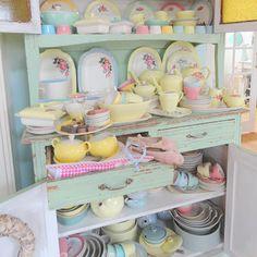 pastel kitchen...