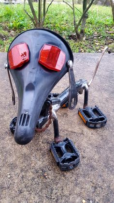 Dog made completely from bicycle parts.