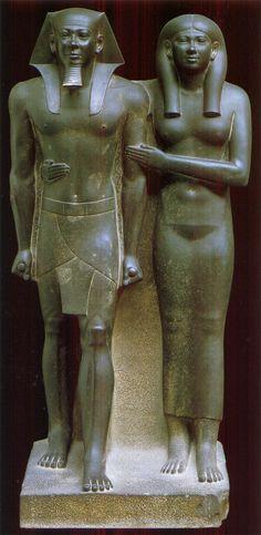 Micerino y su esposa.