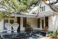 10 Style Tips from Austin's Hotel Saint Cecilia - One Kings Lane Outdoor Spaces, Outdoor Living, Outdoor Decor, St Cecilia Austin, Austin Hotels, Modernism Week, Love Home, Lounge Areas, Beautiful Architecture