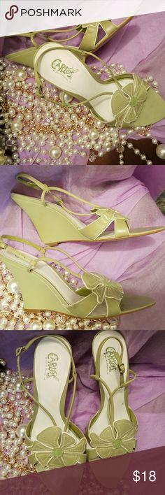 Cute Wedge Sandle with white piping Carlos Santana Wedge Sandle/flower petal detailing on the toe Carlos Santana Shoes Wedges
