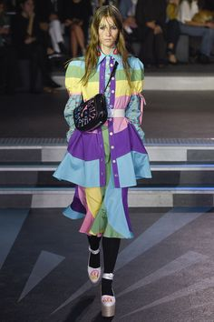 See the complete Olympia Le-Tan Spring 2017 Ready-to-Wear collection.