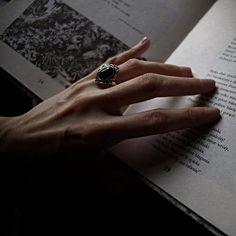Slytherin Aesthetic, Harry Potter Aesthetic, Book Aesthetic, Aesthetic Dark, Olgierd Von Everec, Le Rosey, Regulus Black, Yennefer Of Vengerberg, Hand Reference