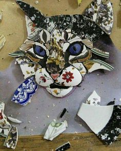 / in progress / cat mosaic /Only halfway done and already a beautiful catmosaic cat by Ivanéri BernardesI love love love this, what an amazing talent.I've always wanted to do mosaic. Mosaic Garden Art, Mosaic Tile Art, Mosaic Artwork, Mosaic Crafts, Mosaic Projects, Mosaic Glass, Glass Art, Stained Glass, Mosaic Madness