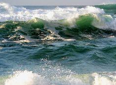 Beach waves. Sintra. by terezadelpilar Portugal