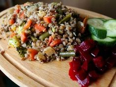 Pohánkové rizoto so zeleninou Buckwheat Recipes, Cobb Salad, Cheesecake, Quinoa, Food And Drink, Healthy Eating, Low Carb, Cooking Recipes, Tasty