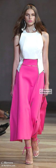"Carolina Herrera Spring 2016 ""And the LORD said to Moses, ""Go to the people and consecrate them today and tomorrow. Have them wash their clothes."" Exodus 19:10  Carolina Herrera  Access Our Blog find much more Information   http://storelatina.com/  #रङ्गहरू #logodnă #مصروفیت #แหวนหมั้น"
