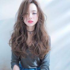 いいね!767件、コメント9件 ― aiji matsuiさん(@aijimatsui)のInstagramアカウント: 「styling by @aijimatsui ⬅︎releaseSEMBA chiefdesigner tel.06-4963-2022 10:00-20:00(telでの問い合わせ)…」 Japan Hairstyle, My Hairstyle, Curls For Long Hair, Girl Short Hair, Permed Hairstyles, Pretty Hairstyles, Curly Asian Hair, Medium Hair Styles, Curly Hair Styles