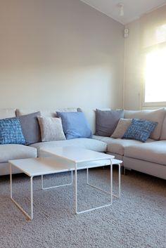 Detaljee+sisustussuunnittelutoimisto+sisustussuunnittelija+sisustus+11+olohuone+sohva+sohvapöytä+adea+band+vallilainterior+koristetyynyt+matto