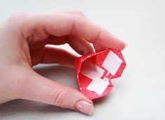 cara membuat origami love sebagai penanda buku - Bikin Ide ...