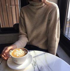 Rummy by Lanja Sámsdóttir. Coffee Break, Coffee Time, Estilo Indie, Selfies, Fall Outfits, Fashion Outfits, Fashion Ideas, Inspiration Mode, Beige Aesthetic