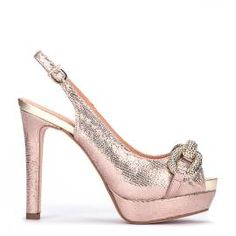 Peeptoe Pedro Miralles en piel color oro rosa con joya delantera #shoes #shoeporn #trends #ss16 #shoes #pedromiralles #shoeaddict #madeinspain #joya